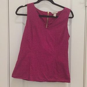 BANANA REPUBLIC Fuschia v-neck w/zipper back tank